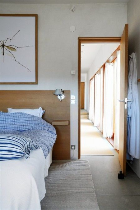 Respaldo de cama moderno en madera