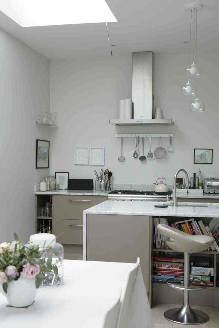 Decoración de interiores de casas modernas: cocina con isla