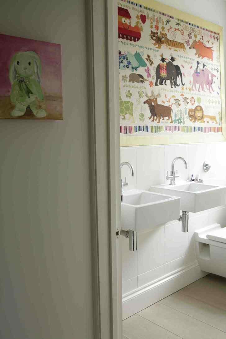 Decoración de interiores de casas modernas: baño infantil