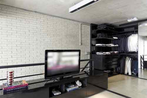 Dormitorio moderno en loft industrial