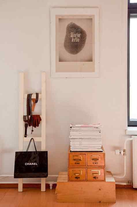 Decoración de monoambientes: mueble revistero
