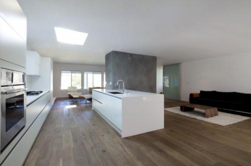 Cocina minimalista en casa moderna minimalista