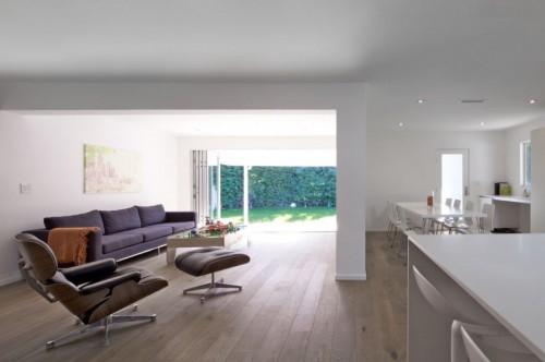 Living moderno en casa moderna minimalista