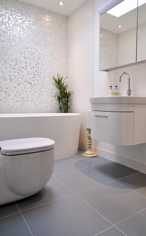 Baño en departamento de 3 ambientes modernos