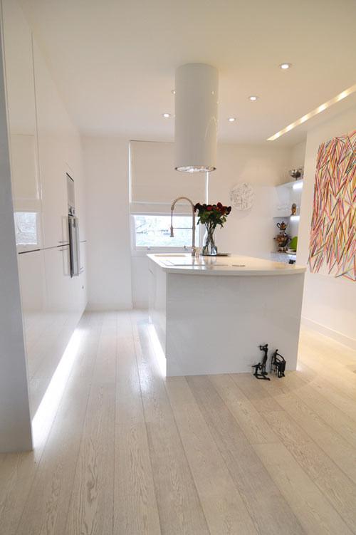 Cocina moderna en departamento de 3 ambientes
