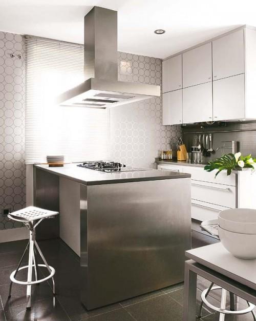 Cocina gris modern en vivienda madrileña