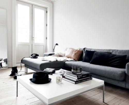 Interiores de un departamento minimalista chic en blanco for Departamentos pequenos modernos interiores