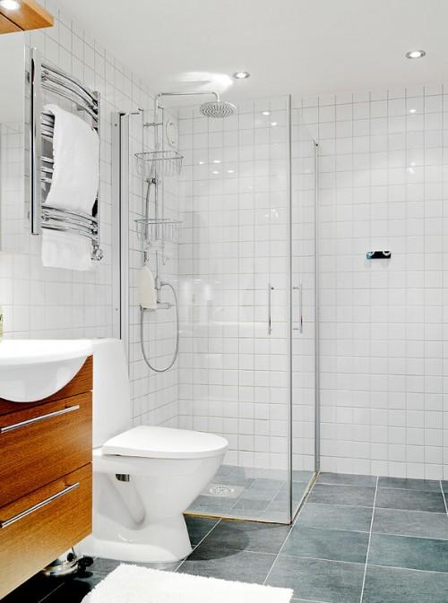 Baño moderno y blanco