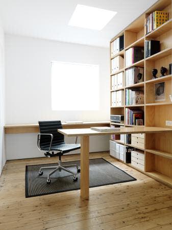 Escritorio con biblioteca de madera