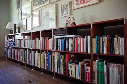 Decoración de departamentos clásicos modernos: biblioteca baja