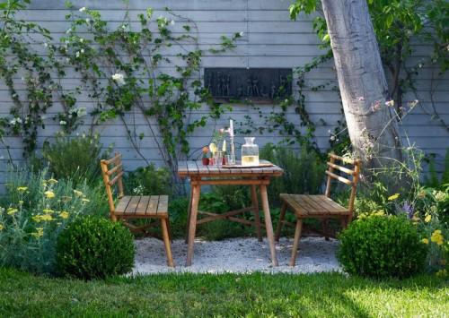 Comedor en el jardín