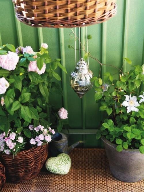 Macetas con flores balcon pequeño
