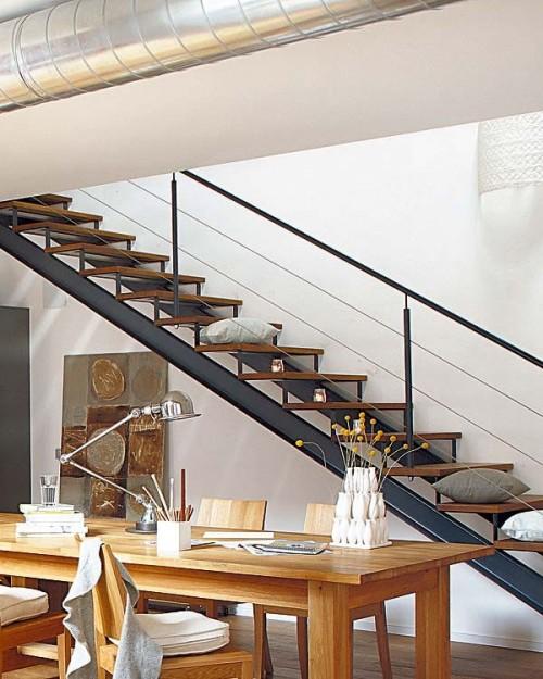 Escalera loft estilo industrial