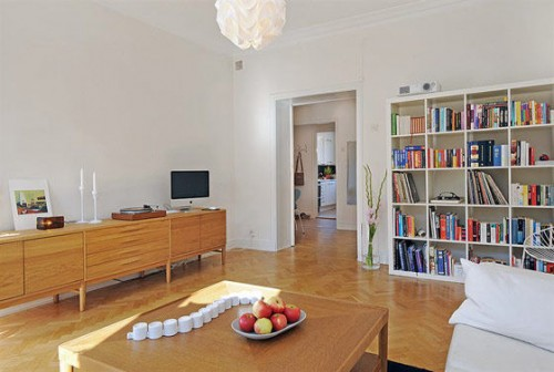 Decoraci n simple de un departamento escandinavo for Decoracion de interiores pequenos fotos