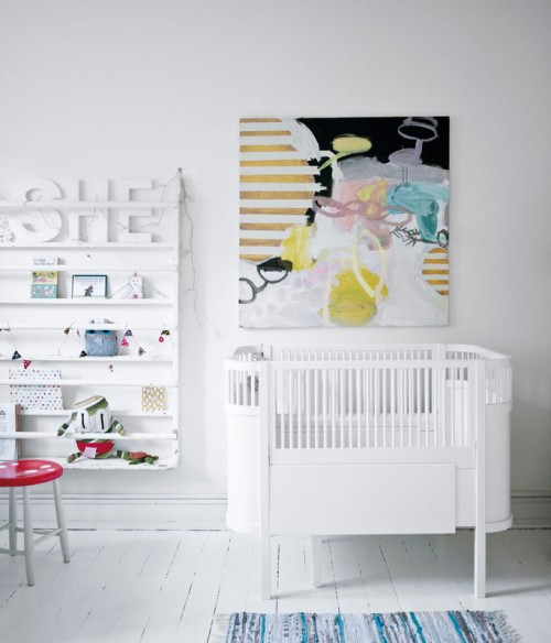 Ambientes blancos y muchos cuadros 8