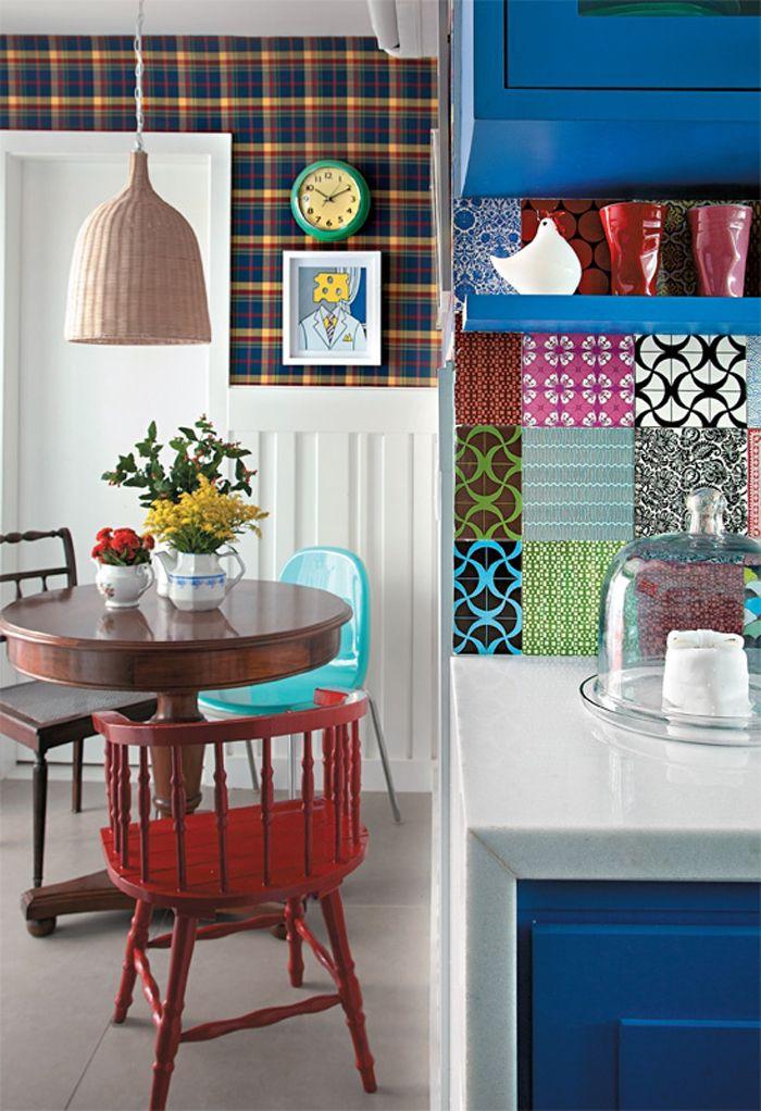 Decoraci n de un original departamento con una cocina a for De que color con el topo para una cocina