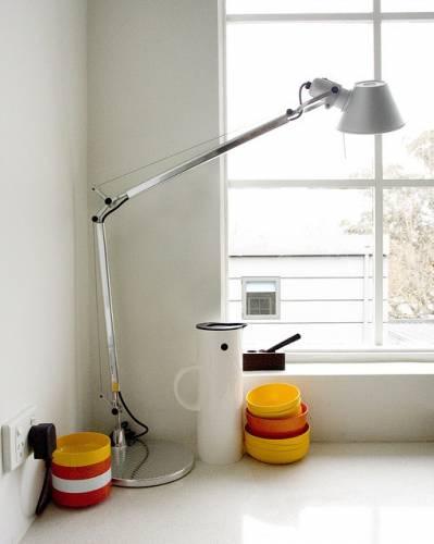 Departamento sencillo con muebles de diseño 12