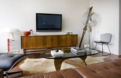Departamento sencillo con muebles de diseño 2