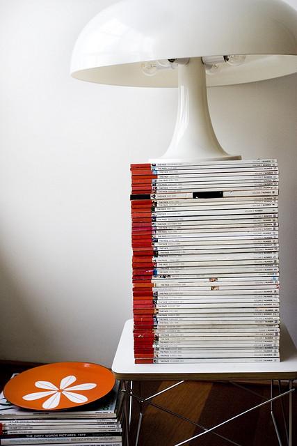 Departamento sencillo con muebles de diseño 3