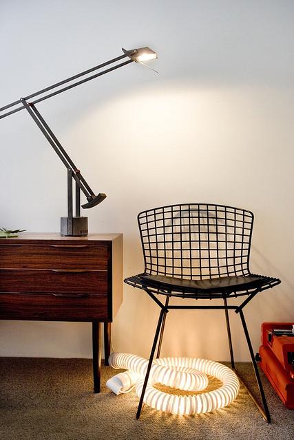 Departamento sencillo con muebles de diseño 7
