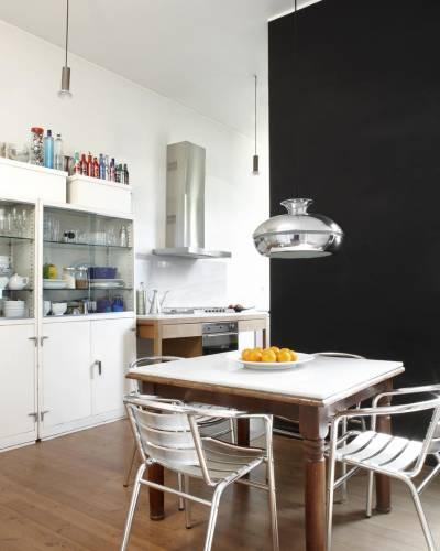 Comedor diario moderno con muebles de diseño