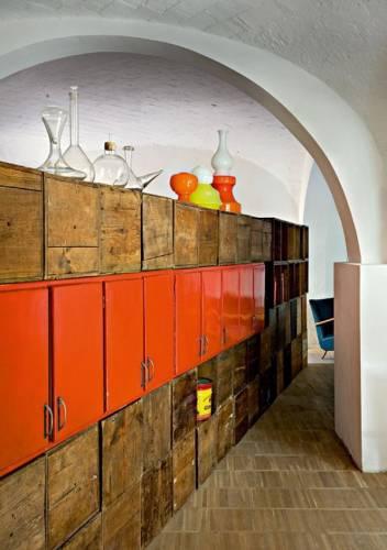 Decoración de lofts estilo retro: espacio de guardado cajas de madera