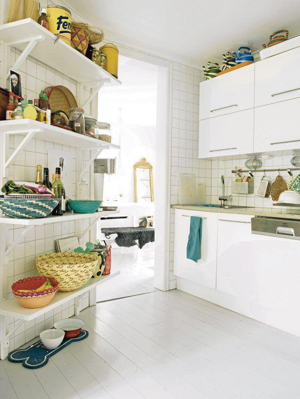 Cocina blanca de diseño sencillo