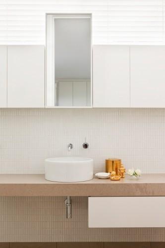 Baño de líneas simples minimalistas