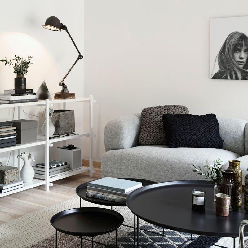 Casa con interiores en estilo n rdico en distintos tonos for Decoracion de interiores en tonos grises