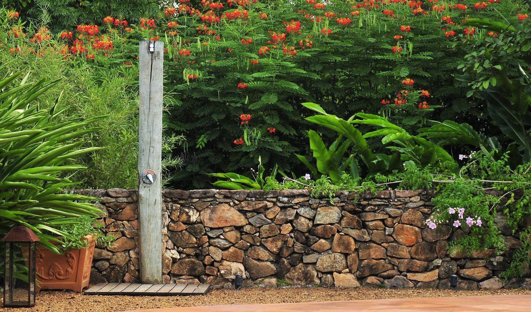 Dise o de exteriores jardines modernos y tropicales for Adornos para parques y jardines