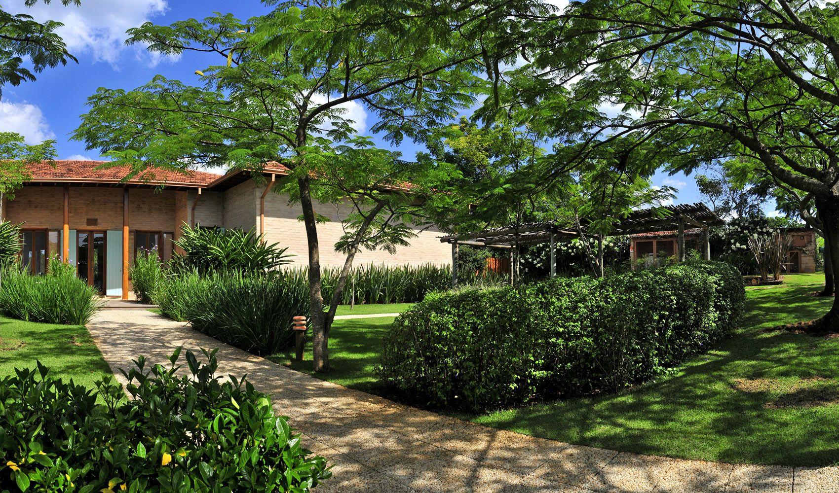 Dise o de exteriores jardines modernos y tropicales - Casas y jardines ...