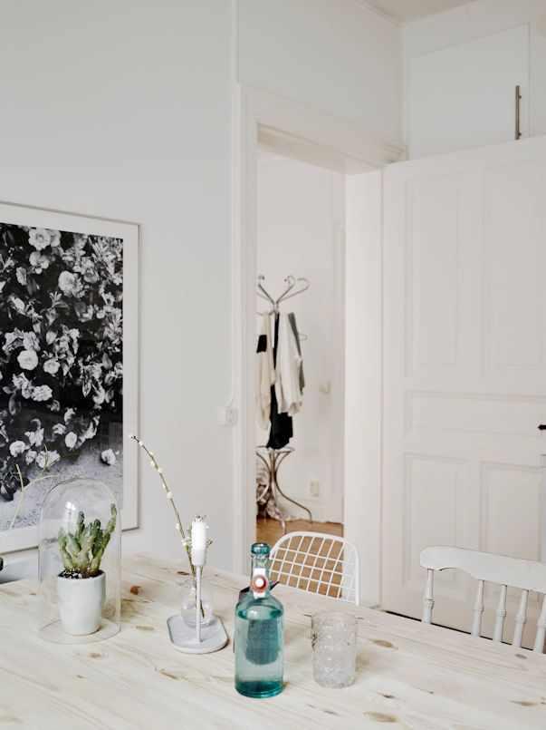 Interiores de un monoambiente nórdico con mucho estilo 11