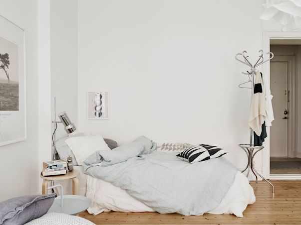 Interiores de un monoambiente nórdico con mucho estilo 4