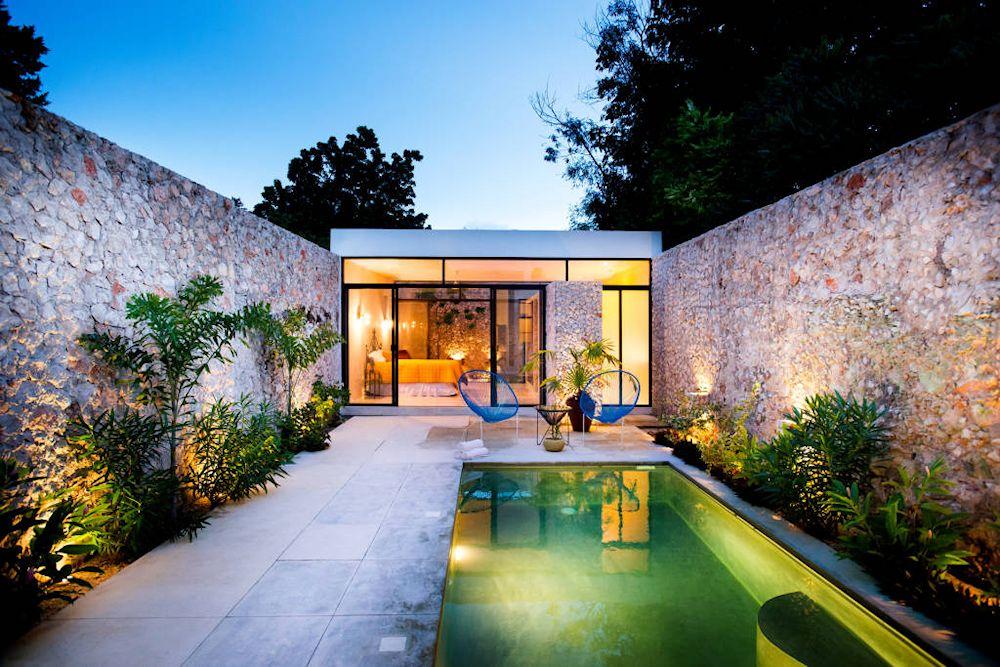 Dise o de exteriores 2 patios modernos con pileta for Piletas de natacion para espacios reducidos