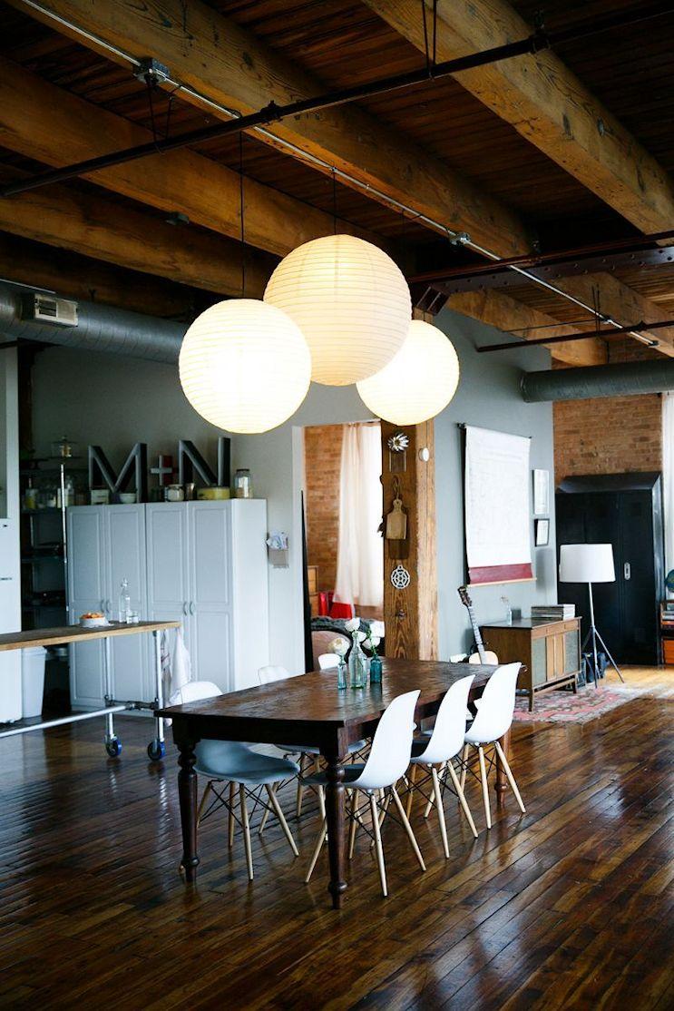 Loft de estilo industrial y vintage con ideas para dividir ambientes 2