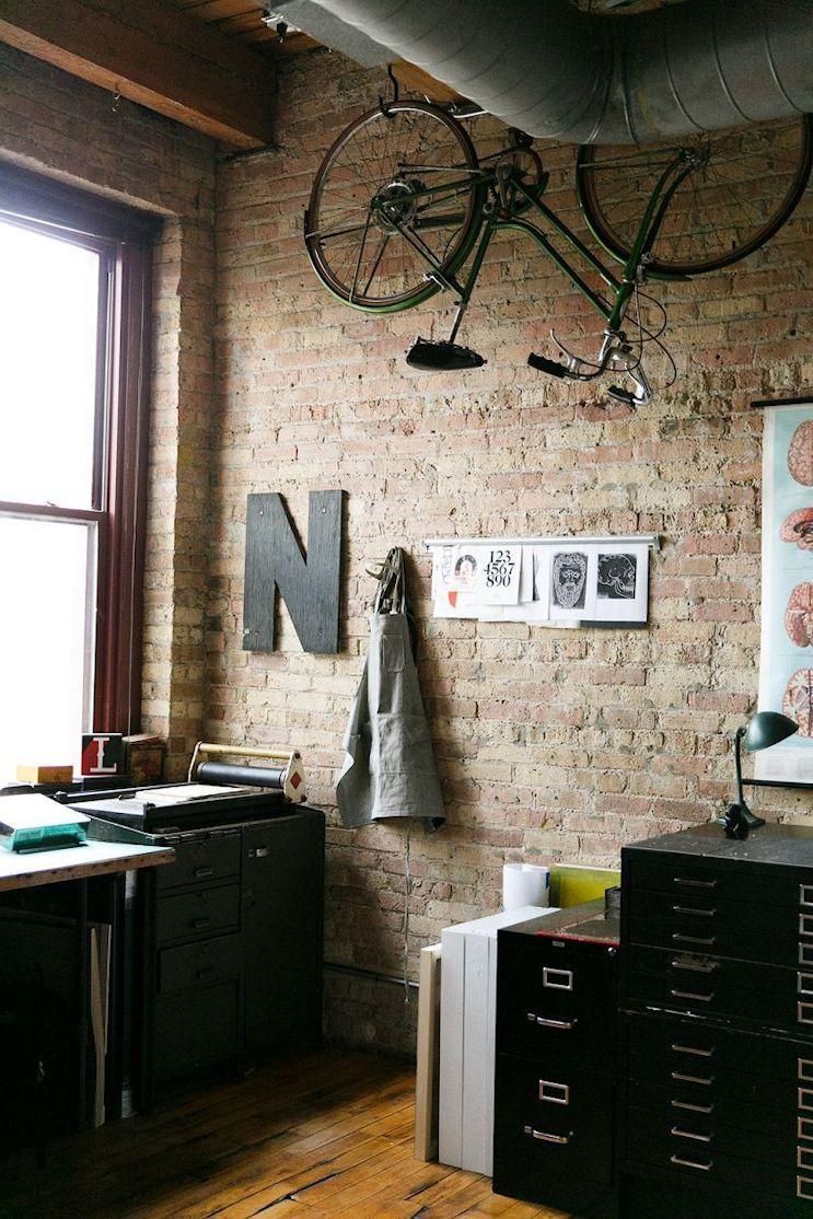 Loft de estilo industrial y vintage con ideas para dividir ambientes 5