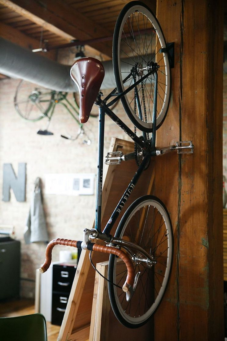 Loft de estilo industrial y vintage con ideas para dividir ambientes 6