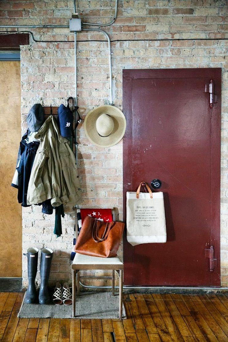 Loft de estilo industrial y vintage con ideas para dividir ambientes 7