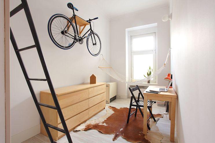 Sin la cama, el espacio se aprovecha mejor en el ambiente principal del monoambiente