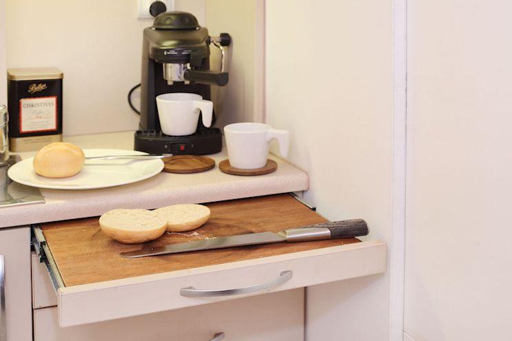 Kitchenette pequeña del monoambiente
