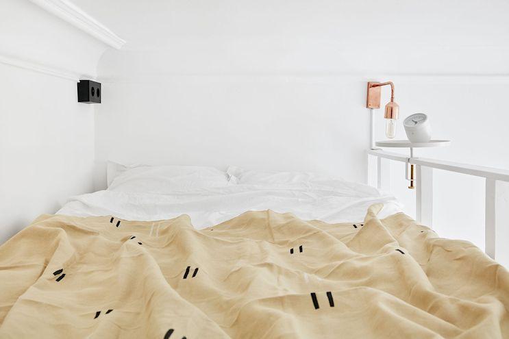 Entrepiso para la cama del monoambiente