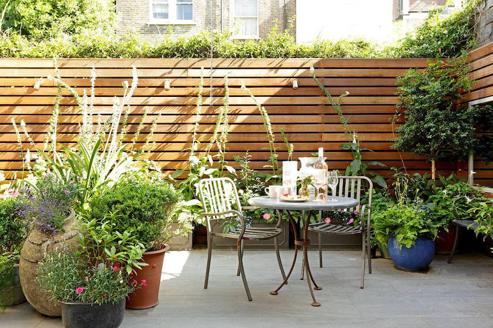 Patios y jardines peque os dise o con macetas for Como arreglar un patio pequeno crear un jardin