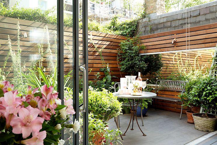 Patios y jardines pequeños: diseño con macetas 5