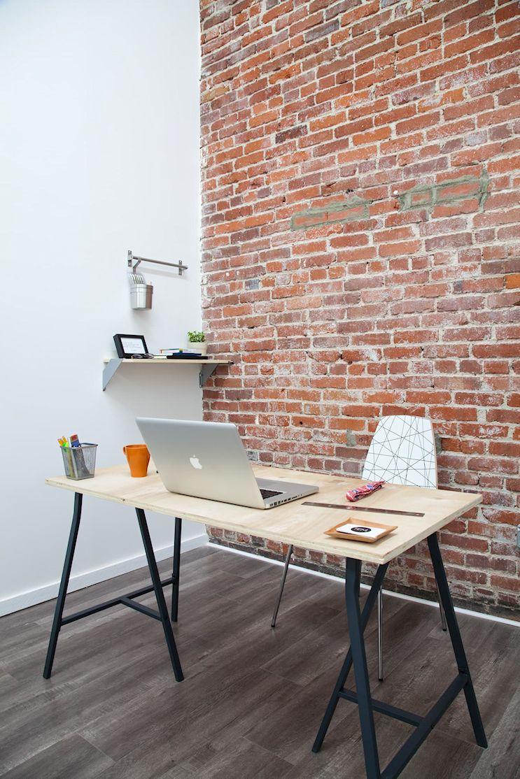 Espacios de trabajo en casa armados con caballetes 7