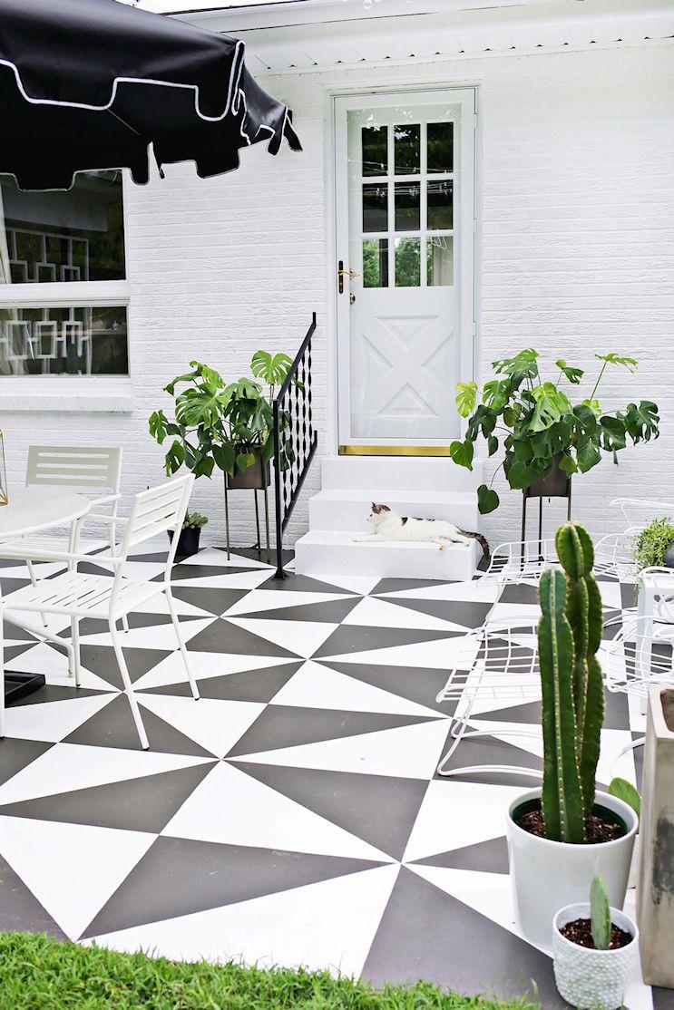 Renovar los pisos de un patio con pintura 10