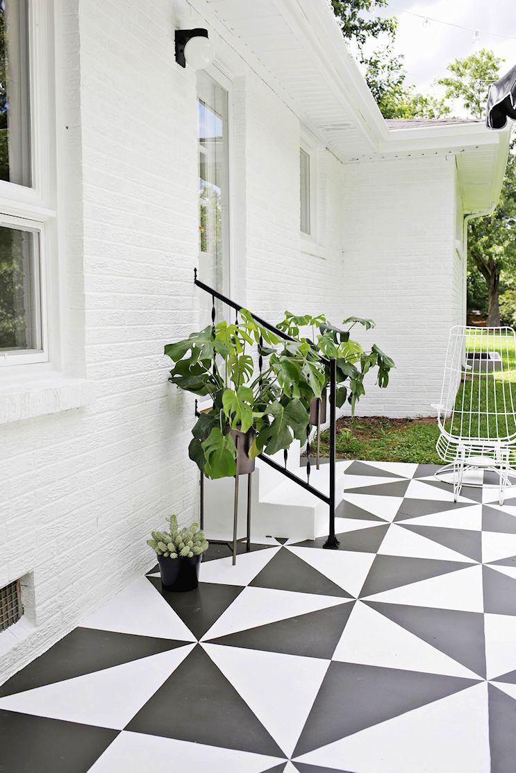 Renovar los pisos de un patio con pintura 11