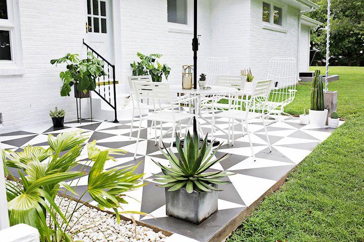 Renovar los pisos de un patio con pintura 8