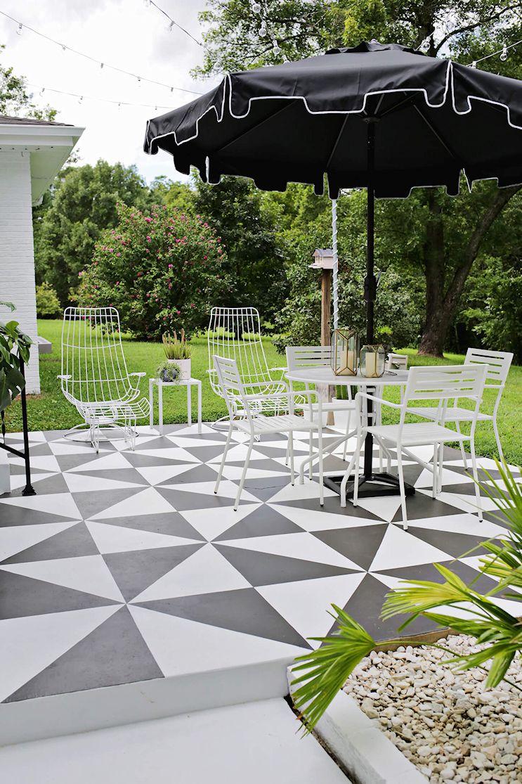Renovar los pisos de un patio con pintura 9