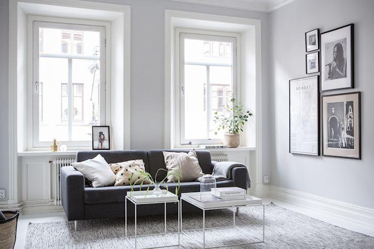 Interiores nórdicos en gris en un departamento de 2 ambientes