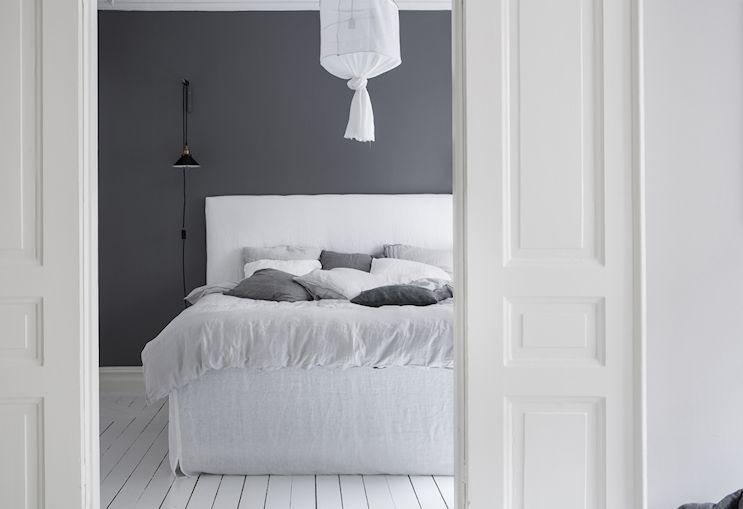 Interiores nórdicos en gris en un departamento de 2 ambientes 6